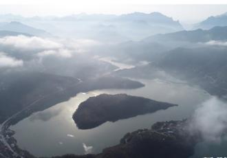 秦巴明珠瑰丽瀛湖